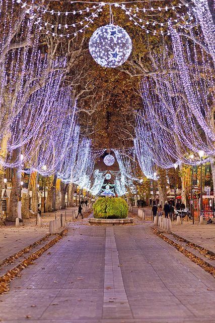 Cours Mirabeau, Aix en Provence RV en France Noël Christmas Weinachten Natale Nadal