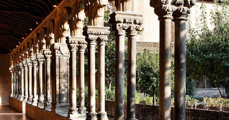 Cloitre du musée des augustins sous le soleil - Toulouse - à 50mn de Brin de Cocagne - chambre d'hôtes écologique de charme dans le Tarn près d'Albi - Brin de Cocagne