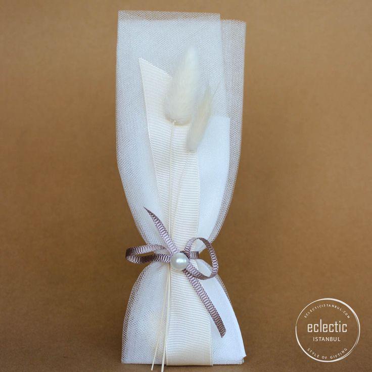 Pearl Kese – Eclectic İstanbul #nikahsekeri #nikahşekeri #düğünhediyesi #düğünhazırlıkları #söz #lavantakesesi #luxurywedding #weddingfavors