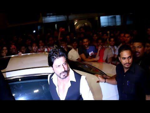 Shahrukh Khan at Sanjay Leela Bhansali's National Award winning party 2016.