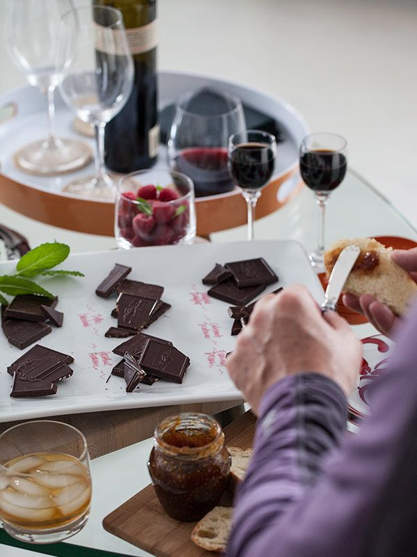 {how to host a chocolate tasting party} what a fun idea for girls night in!