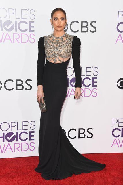Сексуальная Дженнифер Лопес впечатлила роскошным нарядом с прозрачным декольте (фото) - Звездные новости - Лопес появилась на премии People's Choice Awardsв вечернем платье от ливанского бренда | СЕГОДНЯ