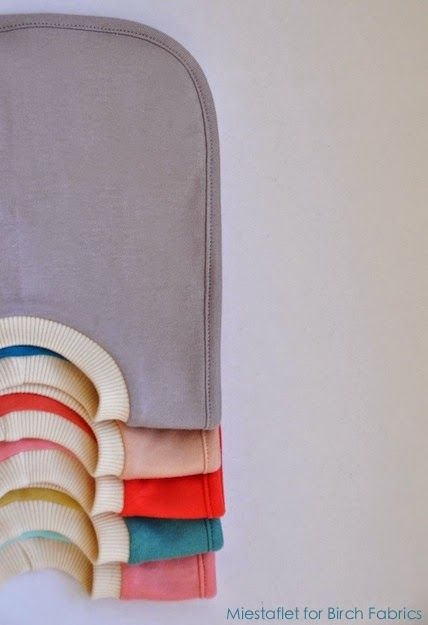 FabricWorm: Tutorial & Free PDF Template   The Reversible Pullover Bib   by Miestaflet