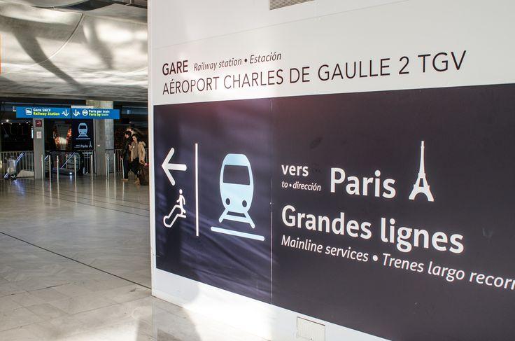 Instructions from terminal 2 to RER train to Paris. CDG T2 Paris RER Trains & Grandes Lignes Sign