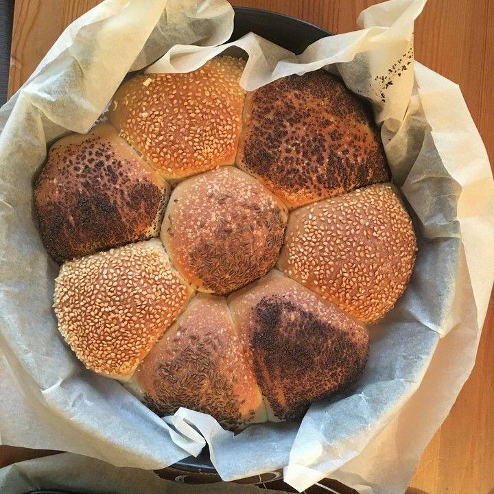 Frühstücks - Brötchen für Morgenmuffel, ein sehr leckeres Rezept aus der Kategorie Brot und Brötchen. Bewertungen: 294. Durchschnitt: Ø 4,2.