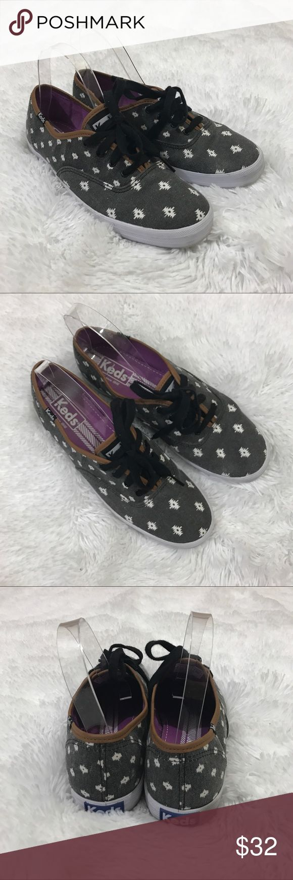 Keds blk/wht Aztec print Sz 8 women's GUC These super cute Keds women's sneakers are a size 8 and are a washed black (slightly intentionally faded look) with a fun white Aztec/Tribal pattern. They are in good preowned condition with no damage and light overall wear. Keds Shoes Sneakers