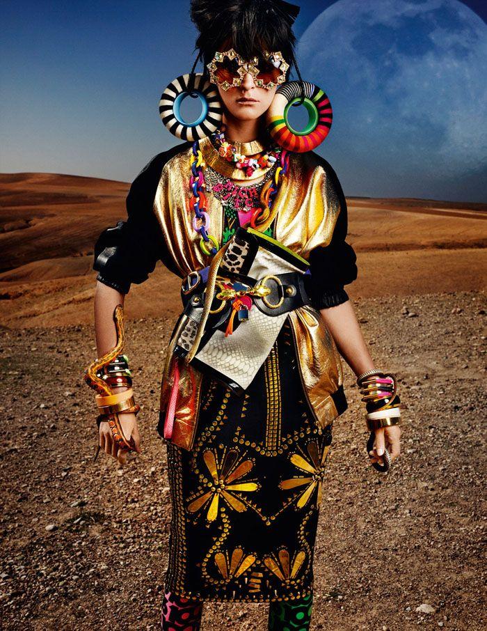 Кармен Касс (Carmen Kass) в фотосессии Марио Тестино (Mario Testino) для журнала Vogue UK (май 2012), фото 3