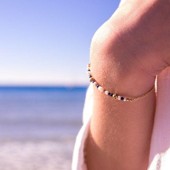 Bracelet doré à l'or fin et pierres naturelles / Lapis lazuli et perles d'eau douce / Bleu Blanc Or / Jour de Mistral