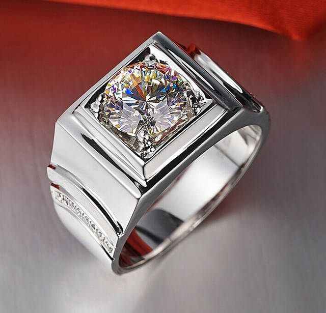 Wedding rings in silver with brilliant