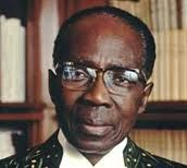 I would like to share with you this poem of the late president of Senegal, Léopold Sédar Senghor. This poem is an ode to the Black woman, but above all, to Senegal his country. Yes... after rea...