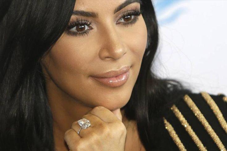 Oltre agli 11 milioni di dollari che le sono stati rubati a Parigi, Kim Kardashian sta perdendo un altro milione di dollari per aver lasciato in pausa la m