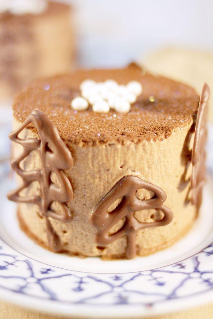 On continue de se donner des idées pour Noël avec ce Royal Chocolat en grand format et/ou en individuels.  Avec ses décors en sapins au choc...