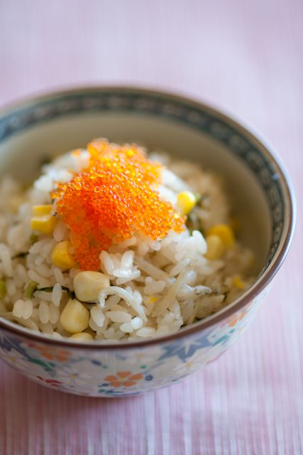 Japanese Takikomi Gohan Rice Cooked with Kabuna Turnip Greens and Corn, Put Tobiko Roe on Top. カブ菜の炊き込みご飯
