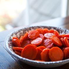 Maple Orange Glazed Carrots (via foodily.com)