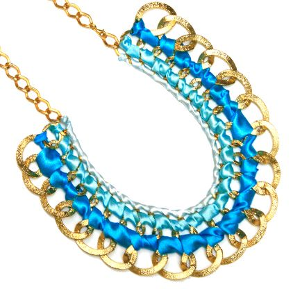 Collar azul con cadena  / Joyería / Moda femenina / Accesorios para mujer