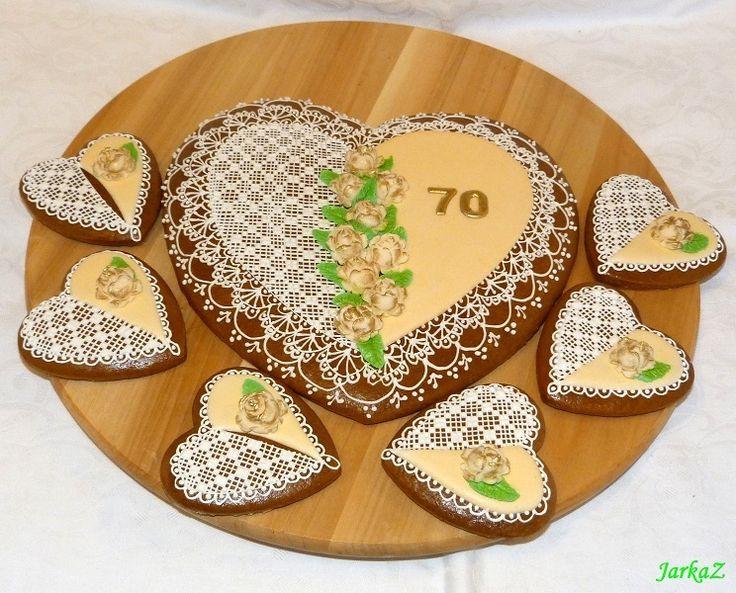 Gingerbread heart for 70 birthdays - medovníkové srdiečko k 70 narodeninám