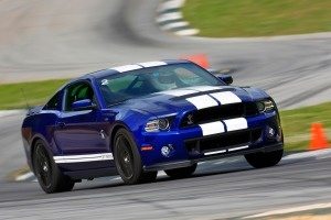 The 2013 Ford Mustang Shelby GT500 is a tire-pulverizing, tail-spinning menace to society. I want one.
