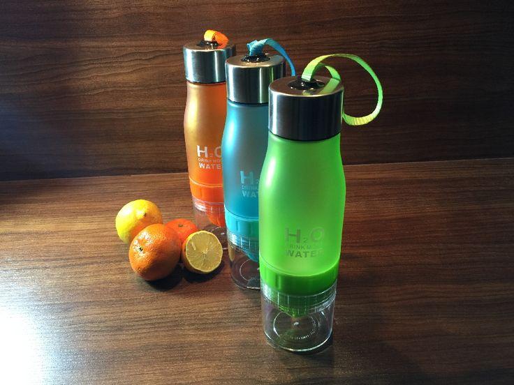 H2O 650ml isotonisch-Wasser-Trinkflasche mit integrierter Zitruspresse, grün