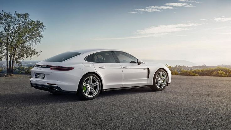 Porsche Panamera 4 E-Hybrid – Highlights – Video