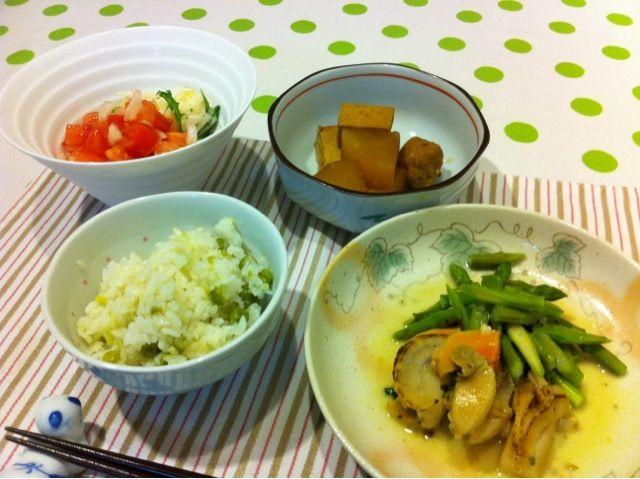 ホタテとアスパラの炒めたもの、大根と豆腐、肉団子の煮物、サラダの夕ご飯です。 - 0件のもぐもぐ - ホタテ炒め by mrsdoughnut