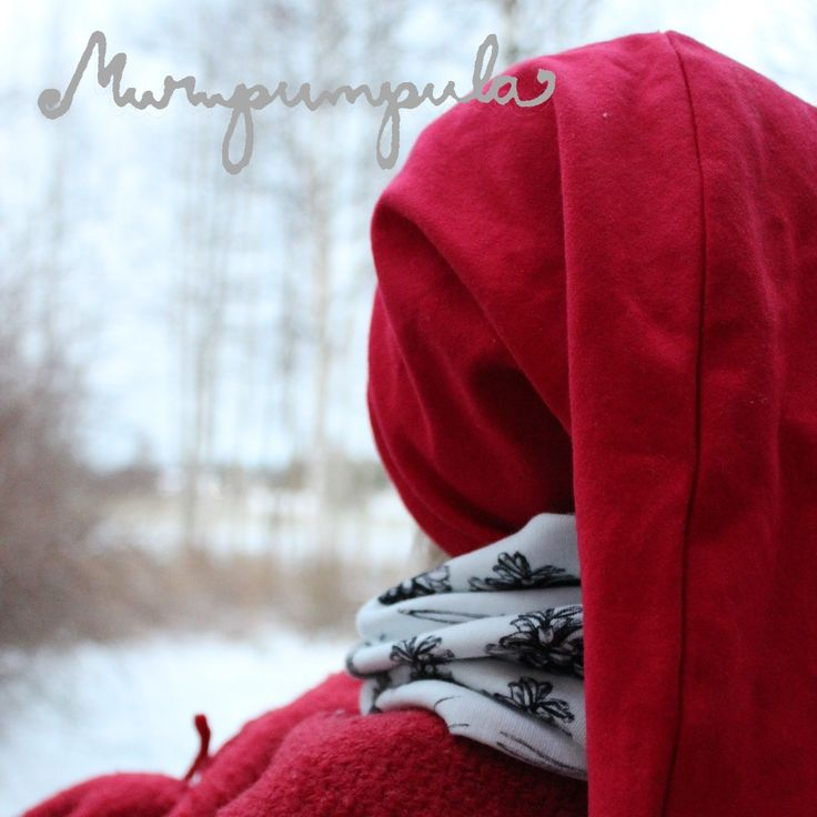 Looking towards Christmas! And this childrens tube scarf is new in Murupumpulas web store :)