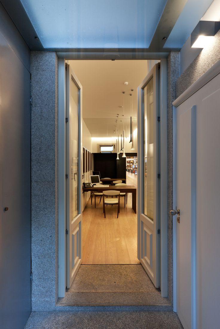 XYZ Arquitectos Associados - Óptica do Bolhão - Porto - Portugal - interior design - optical store - Sissi pendant light Vistosi