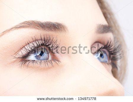 Kosmetik Studio Augenbrauen Stockfotos und -bilder   Shutterstock