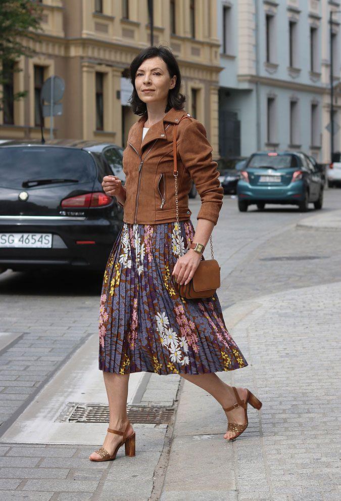 Stylizacje Na Co Dzien 2018 Midiskirt Flowergirldresses Streetfashion Fashionblog Fashionblogger Poland Fashion Clothes Midi Skirt