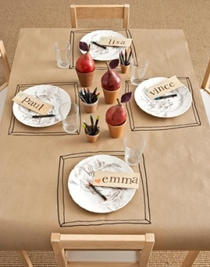 Having kids at your wedding? How about a kraft paper kids table
