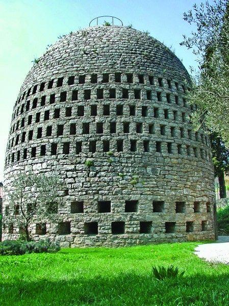 Ancient water harvesting structure utilizing condensation Trans-en-Provence
