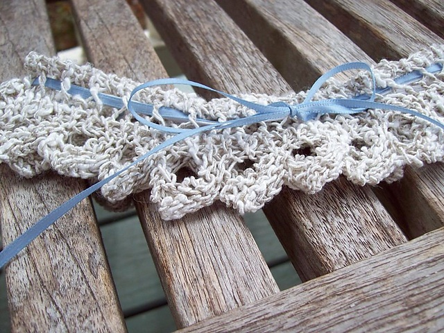 bridal garter - knitted