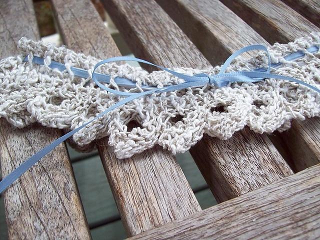bridal garter - knitted