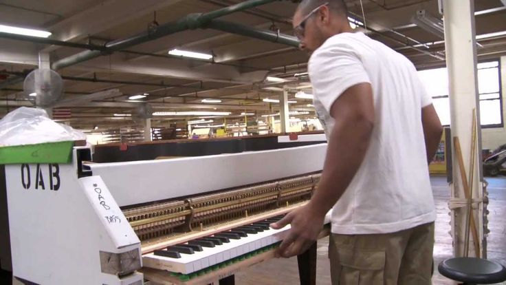 Fascinating. The Making of a Steinway - A Steinway & Sons Factory Tour Narrated by John Steinway
