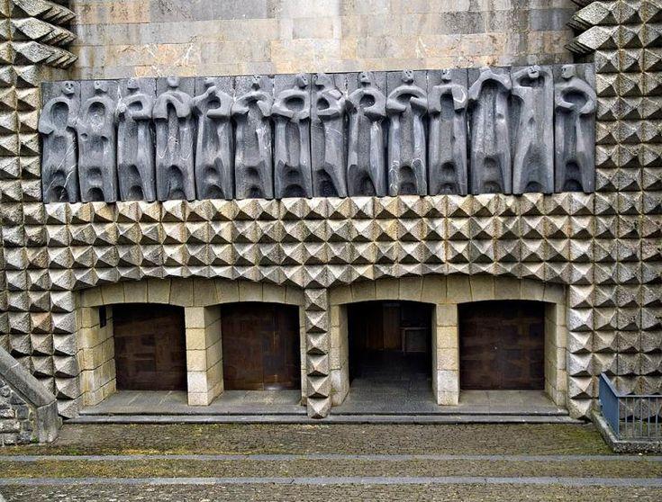 Resultado de imagen de sainz de oiza santuario