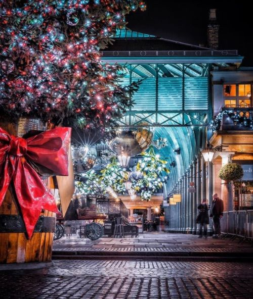 We love how twinkly @coventgardenldn is!  levanterman