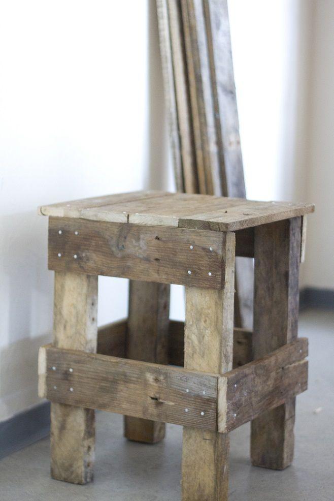 Stool made out of pallets Resultaat van onze livingsessie!