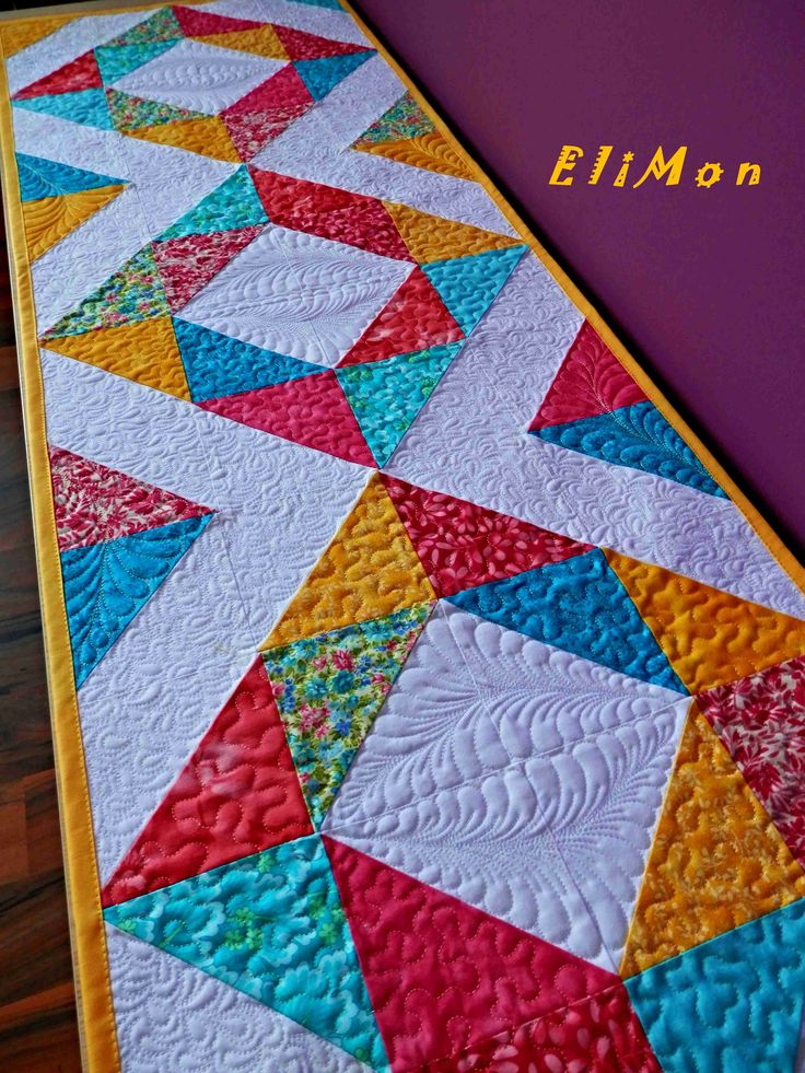 Table runner. Patchwork & quilt.