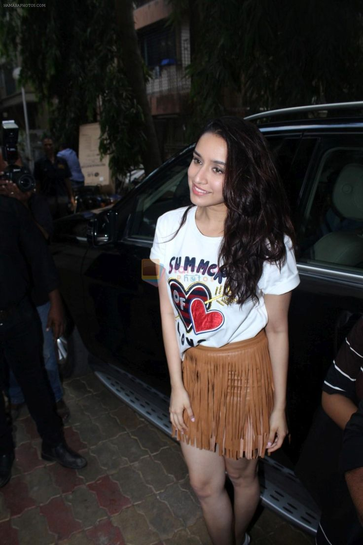 Shraddha Kapoor Promotes Half Girlfriend at Reliance Digital Store on 20th May 2017 / Shraddha Kapoor - Bollywood Photos