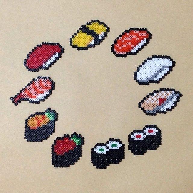 お寿司できたー!COCHI CAFEで開催中の「FUYU NO KIGOU」のクロージングパーティ・tetoteマーケットに誘ってもらって出店することになりました!12月8日、ピアスにしたお寿司も持ってく!