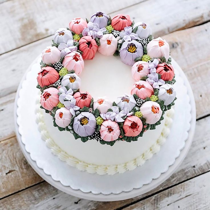 Çiçekli Pasta Tasarımları