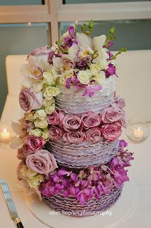 Sunny Girl Cakes, ombre ruffled wedding cake. filled with fresh flowers Alan Hughes Photography, Sails noosa, Sunshine Coast. Wedding cake. Lilac, purple. Ombre