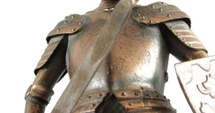 Armadura caseira. Uma armadura caseira pode ser útil como fantasia ou usos recreativos, e há vários passo a passo confiáveis sobre o assunto para se seguir na hora de planejar e criá-la.