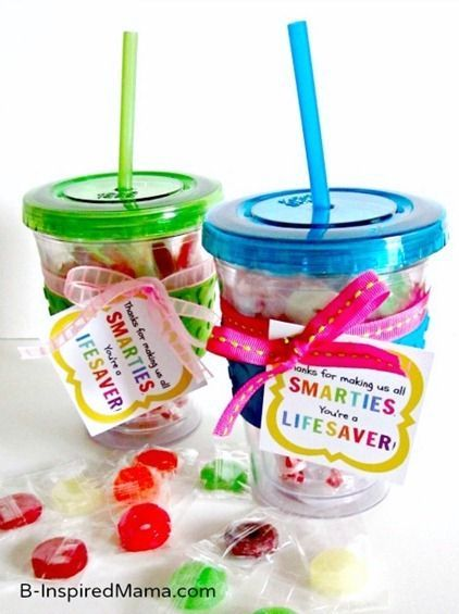 """Thanks for Making Us 'Smarties'!"" - DIY Smarties and Lifesaver Candy Teacher Appreciation Gift Idea with a FREE Printable Tag (to make it easy peasy to put together!) at B-Inspired Mama"