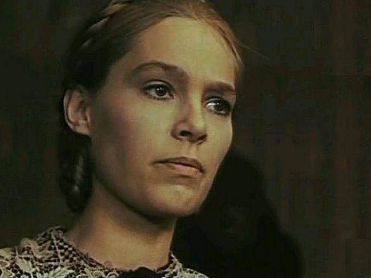 Malgorzata Braunek in movie Trzecia czesc nocy
