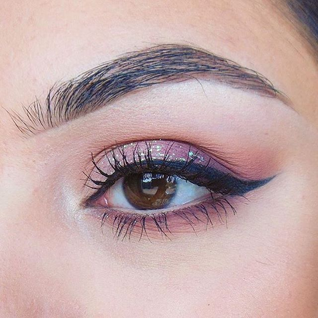We just can't get enough of @fabuleusebeauty gorgeous #wowbrows using precisely my brow pencil  #benefitbrows #beauty