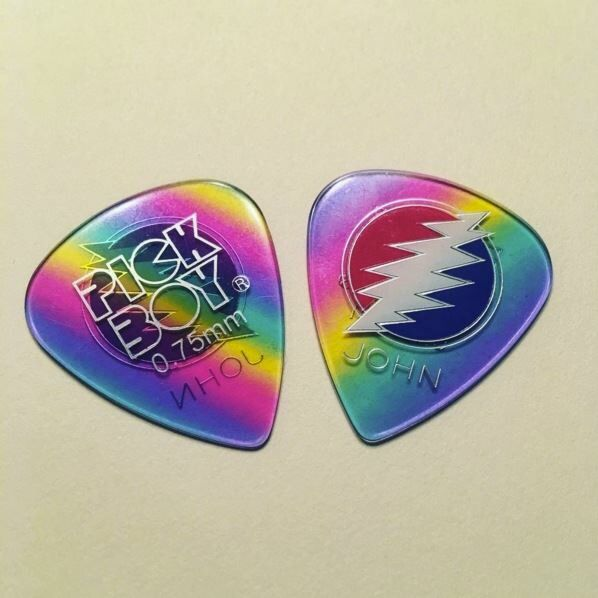 New John Mayer concert guitar picks made by Pickboy (Japan). Hope you can catch one at his upcoming shows! #johnmayerguitarpick #johnmayer #pickboyguitarpicks #pickboy #osiamo