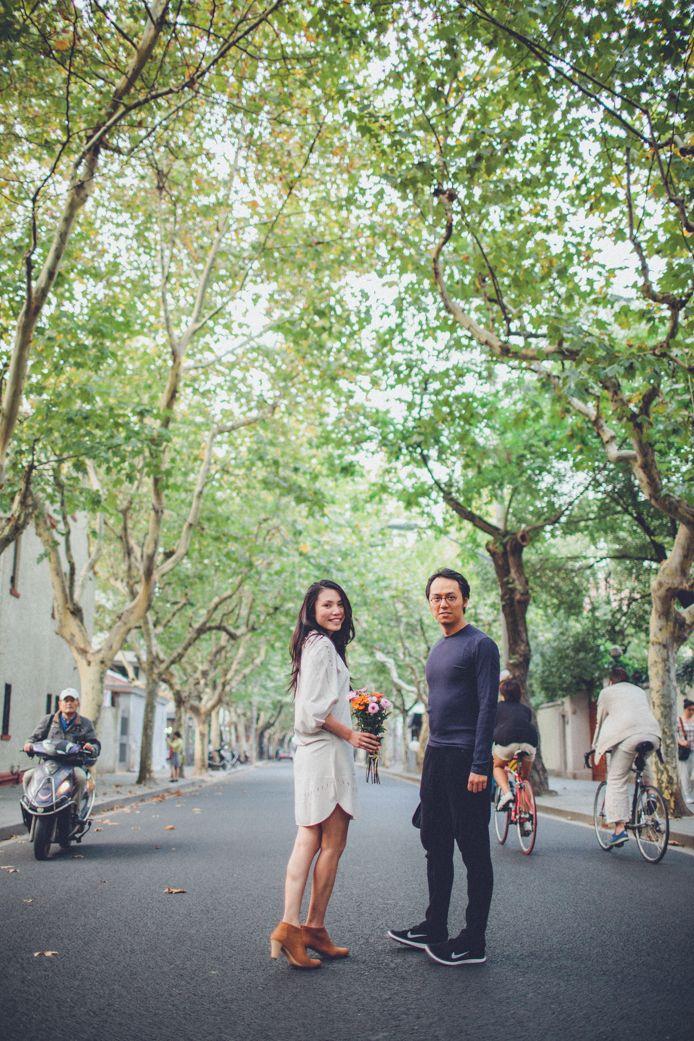 couple portraits shanghai street