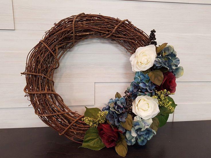 Grapevine Wreath with Mixed Flowers . . #goldenforrest #goldenforrestcreations #handmade #wreathideas #frontdoordecor #wreath #grapevine #grapevinewreath #flowers #flowerwreath #spring