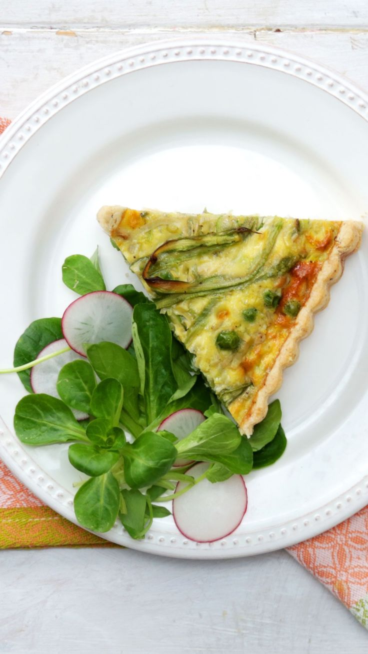 Packed with veggies and eggy goodness, this crispy quiche is perfect for brunch ... or whenever!