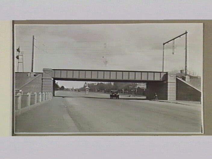 Railway bridge over High Street Clifton Hill